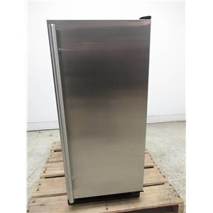 "U-Line 1000 Series 15"" 30 Lbs. Storage Undercounter Clear Ice Maker UCLR1215S40B"