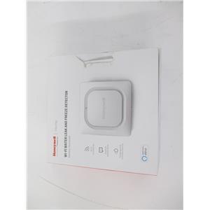 Honeywell RCHW3610WF1001 /N Wi-Fi Water Leak and Freeze Detector -NEW, OPEN BOX