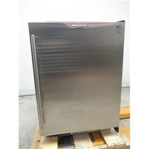 Sub-Zero 24 Inch 4.7 cu. ft. Built-in Undercounter Refrigerator UC24CRH TH