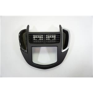 2015 2016 Chevrolet Trax Center Dash Radio Bezel with Vents For NAV