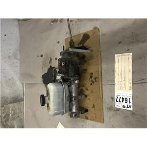 2003-2004 Ford F350 6.0L Powerstroke master cylinder and brake booster at16477