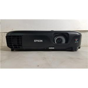 EPSON 1221 3 LCD PROJECTOR (557 LAMP HOURS USED)