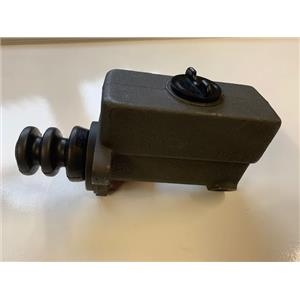 International Diamond T Reo Mack master cylinder 1936-1964 also Divco Studebaker