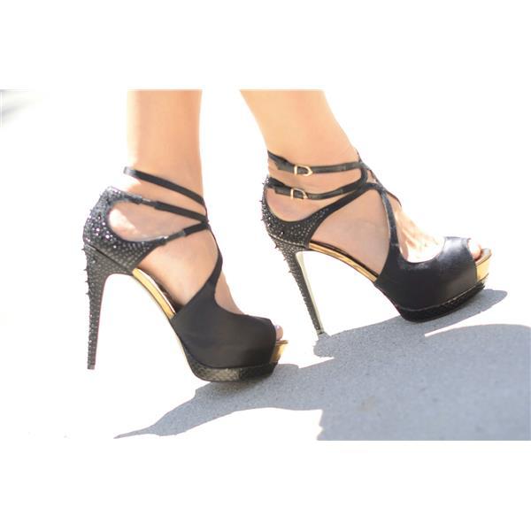 8d1e35a499d162 Brand New Authentic Sam Edelman Pryce Platform Sandal Spiked Crystal Heels  Black Satin . Cash in the Closet